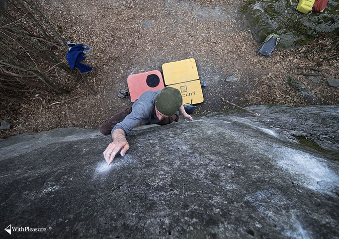 Chironico bouldering