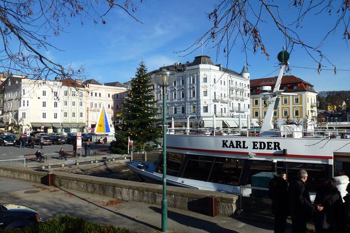 Blick auf den vorweihnachtlichen Rathausplatz, Gmunden, © Thomas Köck
