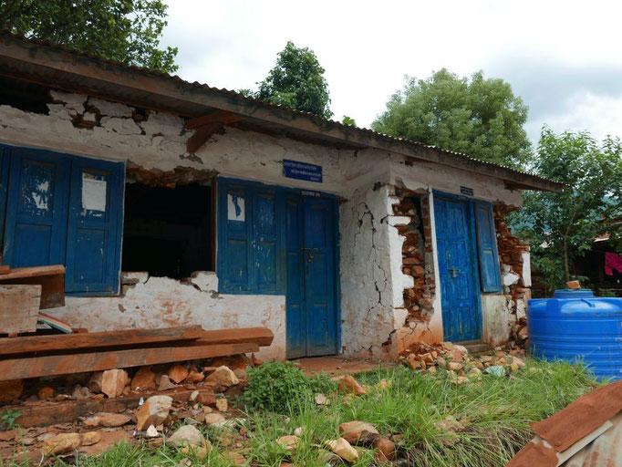 Das Verwaltungsgebäude der Schule ist komplett zerstört.