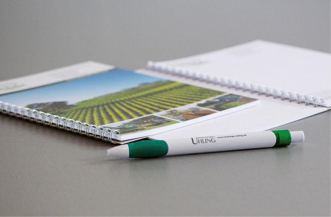 Kundenpräsente, Kugelschreiber, Schreibblock im Uhling-Drainage-CI