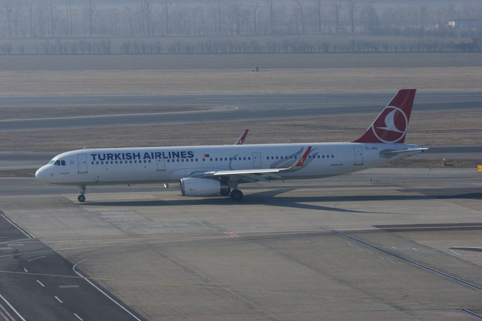 Turkish Airlines --- TC-JSU --- A321-231