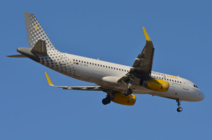 Vueling Airlines --- EC-MKN --- A320-232W