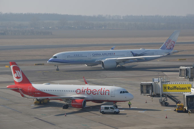 China Airlines --- B-18901 / Air Berlin --- D-ABNJ