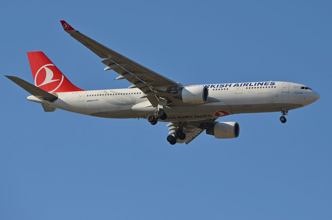 Turkish Airlines --- TC-JIP --- A330-223