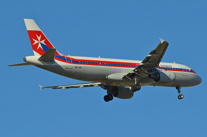 Air Malta --- 9H-AEI --- A320-214  (Retro)