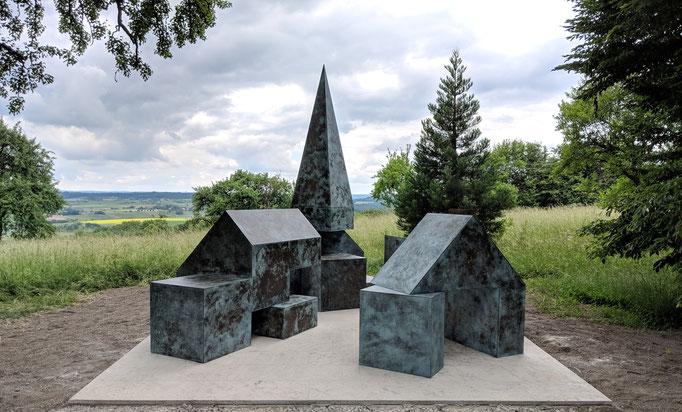 Drei Taschen voll Steine, Messing, Burgberg 2018