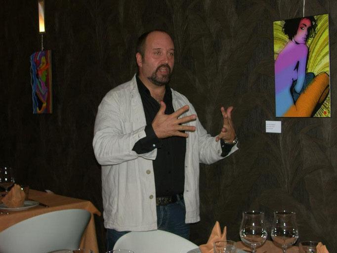 Carles,organizador de la muestra