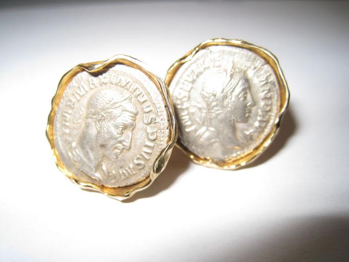 Antike Münzen als Manschettenknöpfe