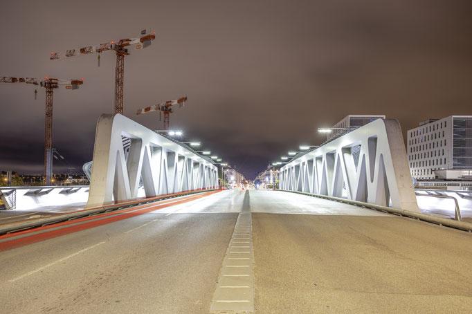 Saint-Nazaire 7 - Vue de nuit du pont sur le Boulevard de l'Atlantique