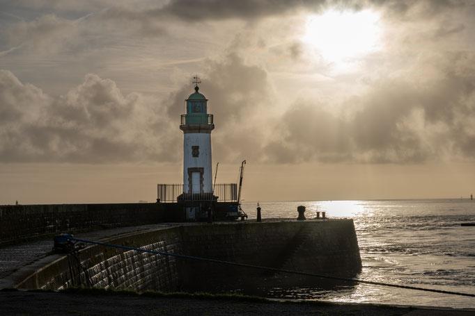 Saint-Nazaire 17 - Vue du phare le soir