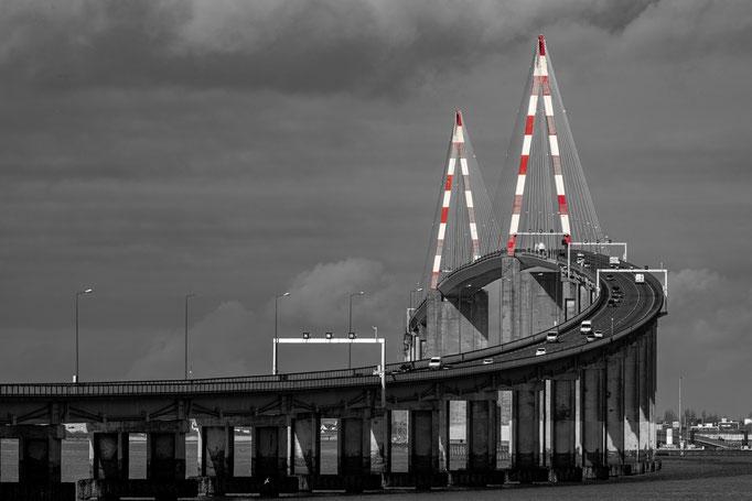 Saint-Nazaire 22 - Pont en N&B