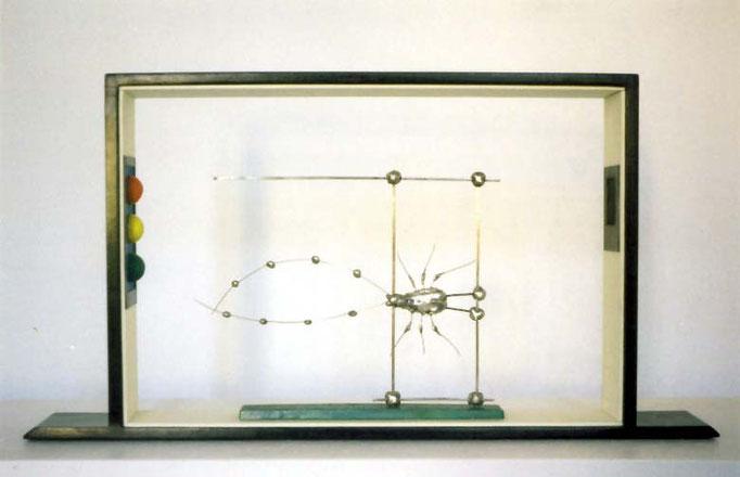 INSECTO. 2001. 49 x 26 x 7 cm.  Técnica mixta..