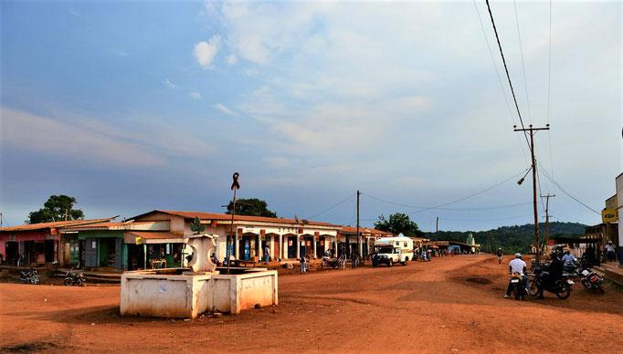 Moloundou, Une vie de la ville en 2017