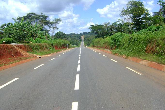 Route Ayos-Bonis inaugurée en 2012