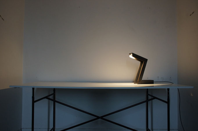 Tischleuchte 5kg Stahl, LED (2014)