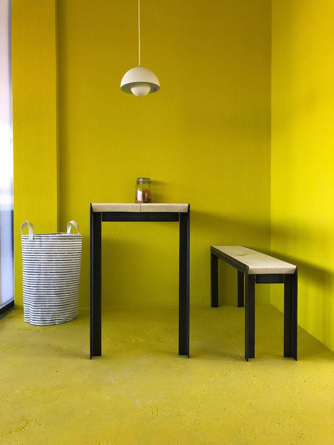 """Tisch und Bank;  Architekturbüro """"Urban Futur Developent"""" (2019) ufd.hamburg"""