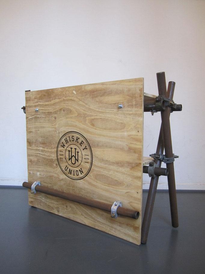 """Verkaufs/Präsentationstresen (Auftragsarbeit für """"Whiskey Union""""; 2015)"""