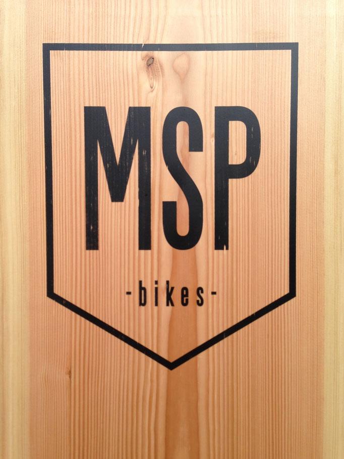 Ladenschild (Auftragsarbeit für MSP- Bikes; Logo in Zusammenarbeit mit Jakob Taranowski; 2016)