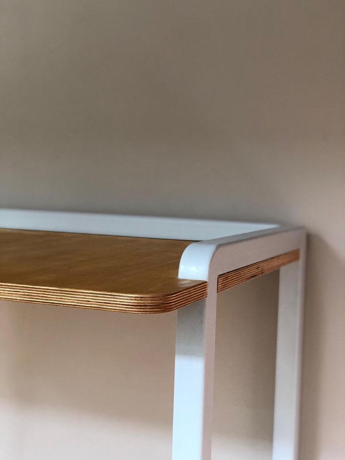 Schreibtisch (Vierkant Stahl; lackiert; Multiplex; 2018)