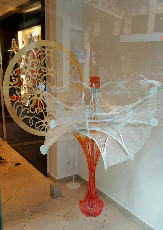 Décor des vitrines 2017  L.Raphael Genève, création réalisation  Hervé Arnoul.