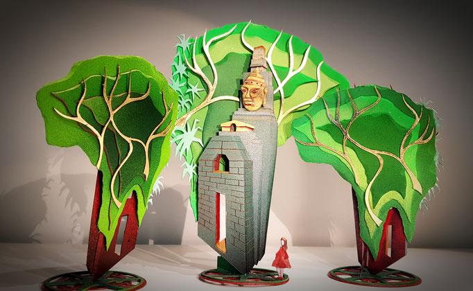 Voyage extraordinaire d' une petite fille au pays des pierres précieuses ... Decors 2020 des vitrines de la Maison  Adler haute joaillerie. Création et réalisation Hervé Arnoul.  Indonésie.