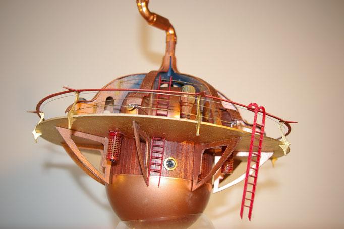 Interprétation mobile d'un alambic. Création Hervé Arnoul pour Nicolas Salis 1/50e.