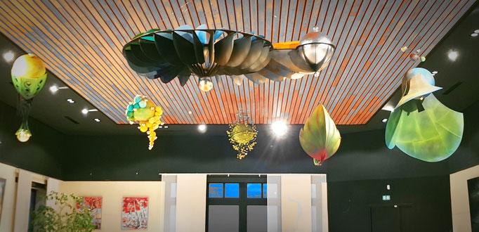 Suspensions fantastiques Domaine vitivole Brocard, Creation et réalisations Hervé Arnoul.