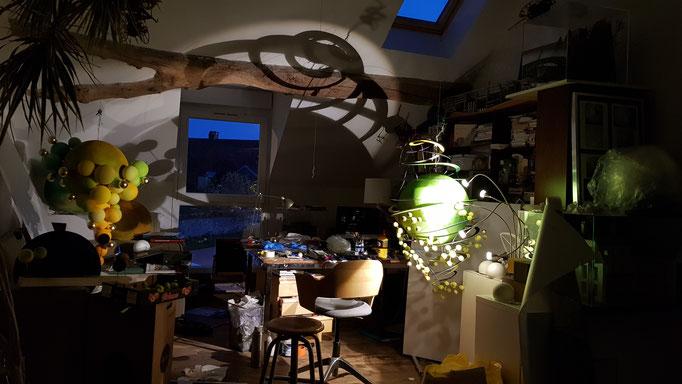 Suspensions fantastique Domaine Jean Marc Brocard création et realisation Hervé Arnoul. Making of Atelier.