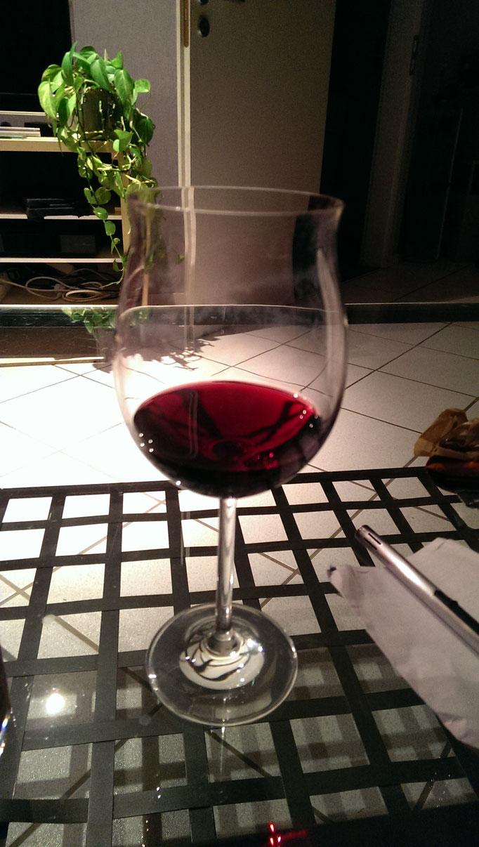 Am Umzugsabend war sogar noch Zeit für ein erstes Glas Wein