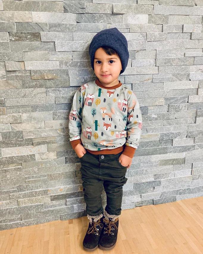 Hipster Beanie, Raglan Sweater
