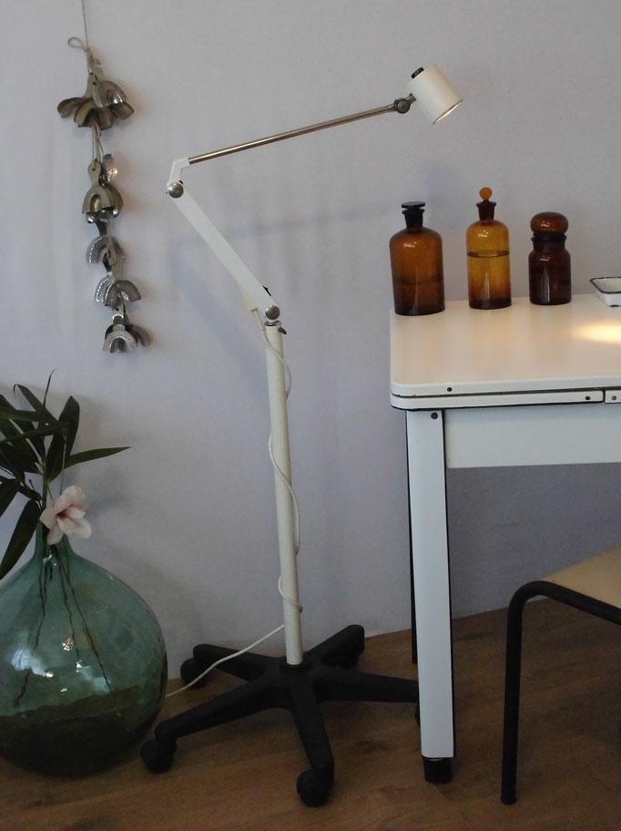 Lampe industrielle éclairage médical Waldmann