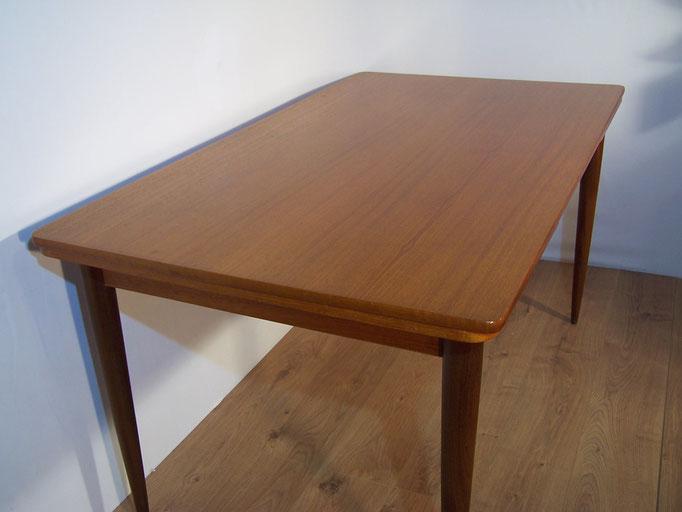 Table scandinave en teck années 1960
