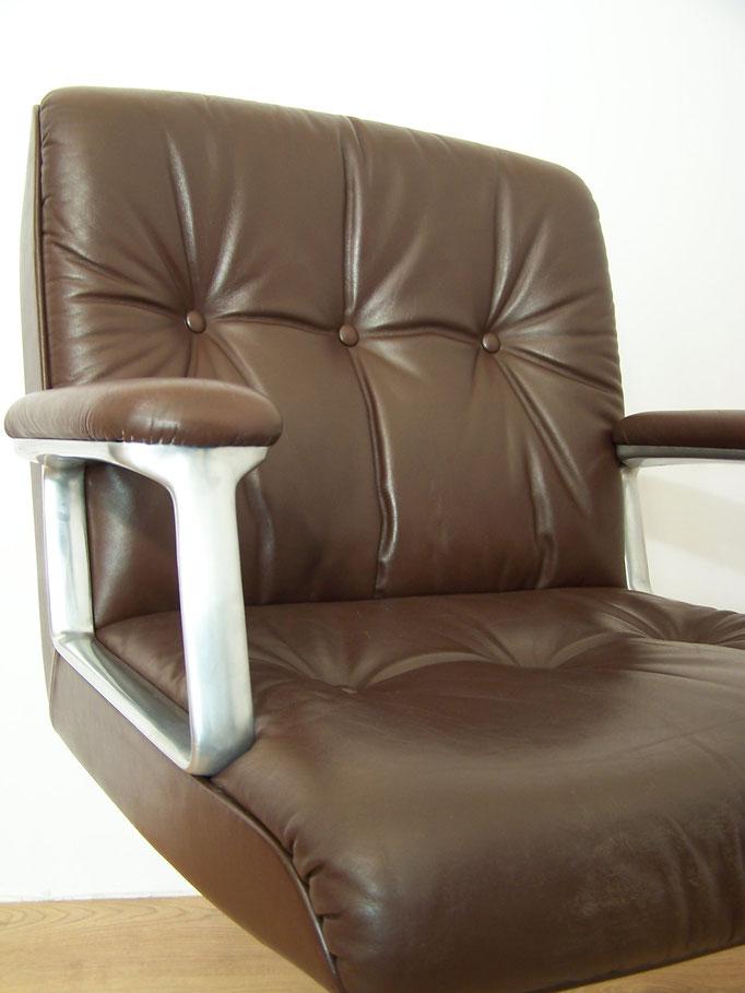 Fauteuil de bureau P128 design Osvaldo Borsani pour Tecno