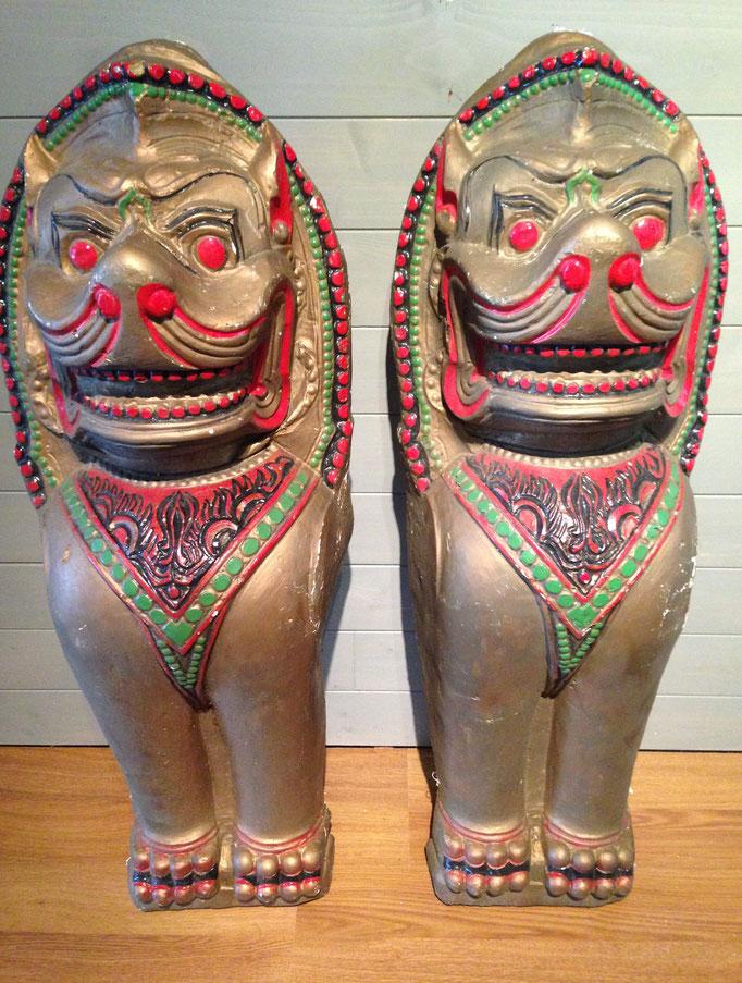 Paire de chinthe Birmans anciens