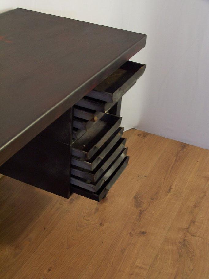 Bureau industriel en métal 10 tiroirs