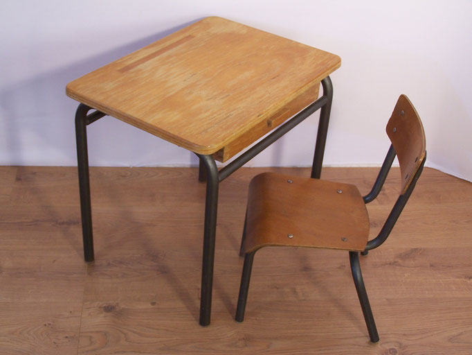 Ancien bureau d'écolier et sa chaise Jacques Hitier