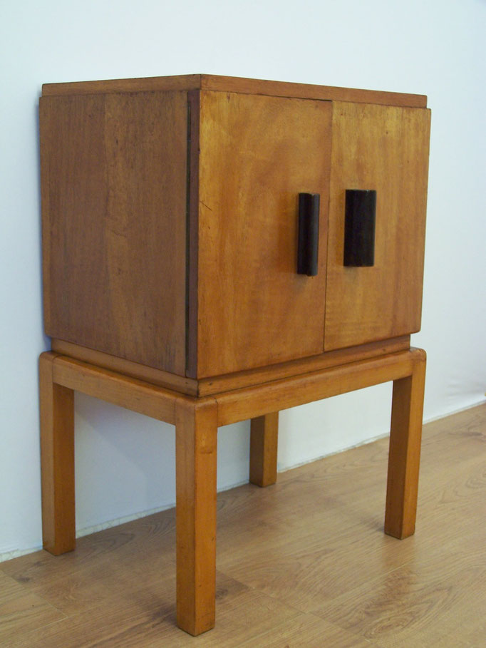 Adorable meuble vintage en bois style scandinave