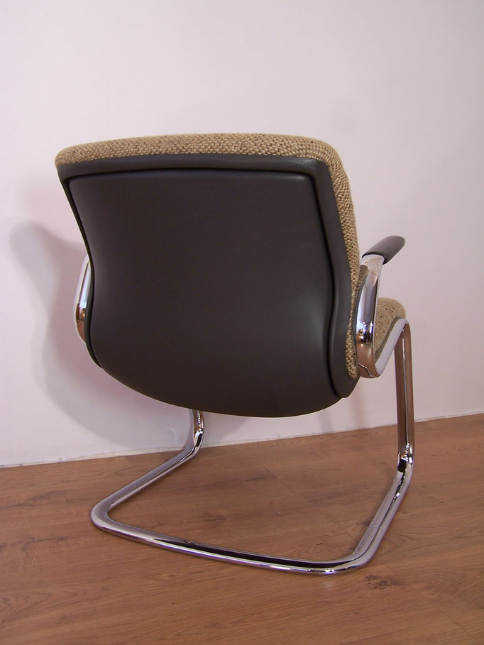 Fauteuil de bureau vintage marque Strafor