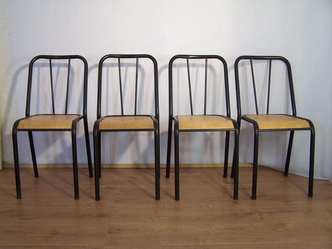 Suite de 4 chaises industrielles