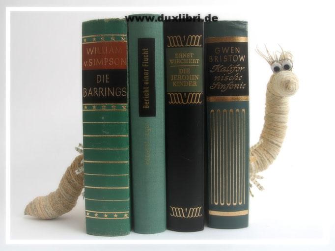 (018) Bücherstütze 49,00€ zzgl. Versandkosten. Die mittleren Bücher können durch eigene Bücher beliebig ersetzt werden. Nur Beispiel, bereits verkauft.