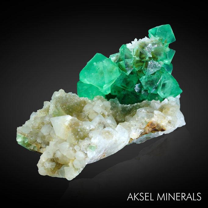 AM643 - Fluorite sur Quartz - Riemvasmaak fluorite occurences, Riemvasmaak, Kakamas, Kai !Garib, ZF Mgcawu, Northern Cape, South Africa - 92x70mm