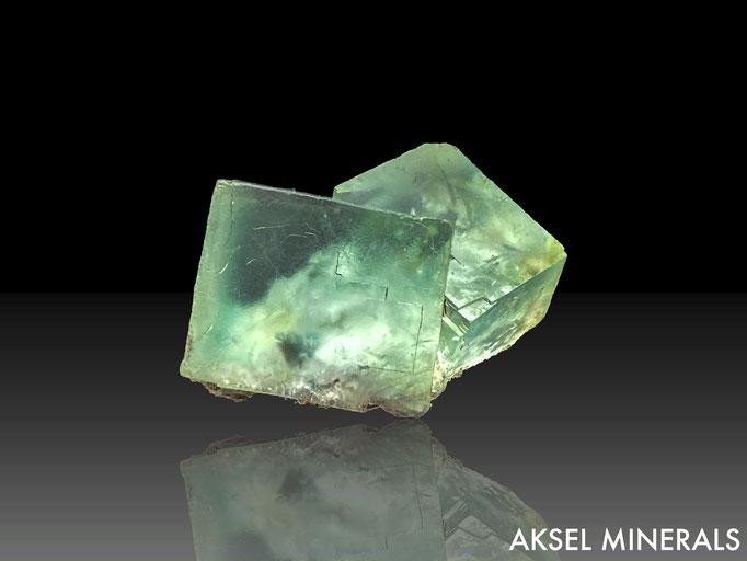 AM650 - Fluorite maclée - Xianghualing Mine, Xianghualing Sn-Polymetallic ore field, Linwu Co., Chenzhou, Hunan, Chine - 45x25mm