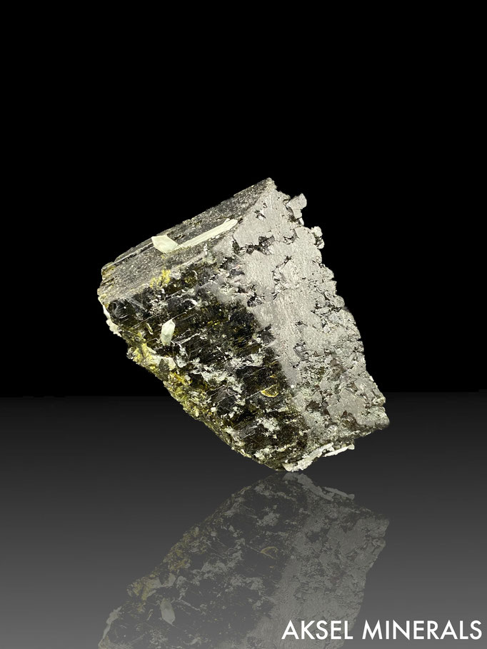 AM673 - Epidote - Green Monster Mountain, Prince of Wales Island, Ketchikan District, Alaska - 55x55mm