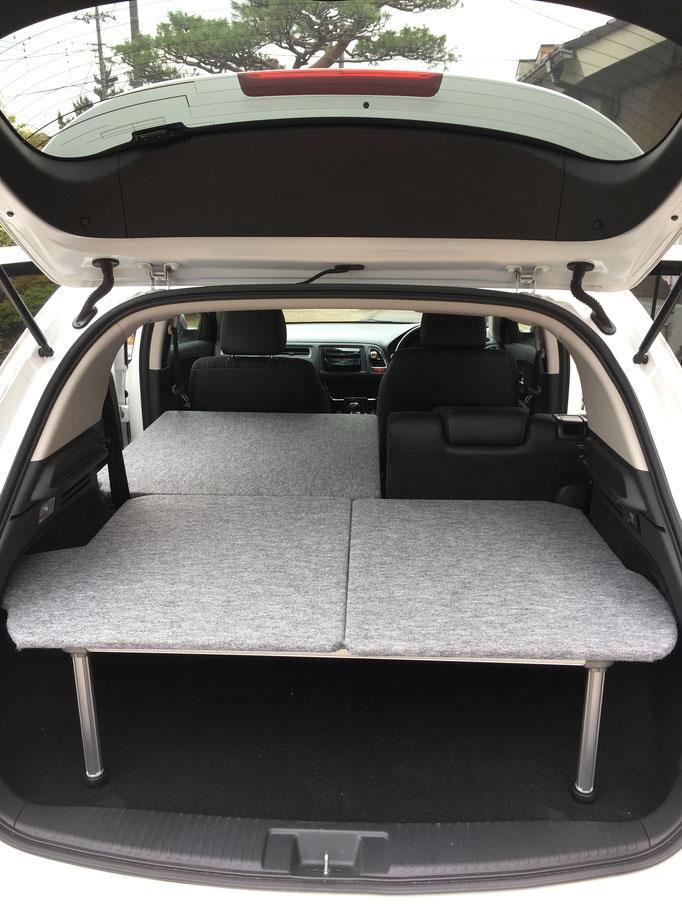 VEZELで車中泊やキャンプにはトランポ関東のベッドキットが最適」