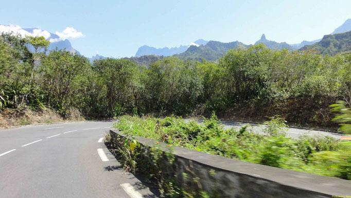 Tour in den Cirque Cilaos - 420 Kurven auf ca. 30km