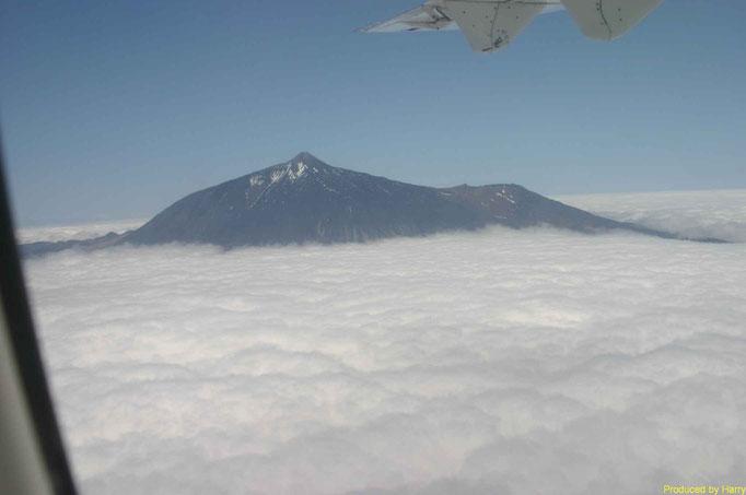 vobei am Teide - Richtung El Hierro mit Binter Air