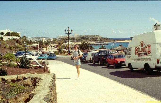 """Strand der """"Retortenstadt"""" Costa Teguise"""