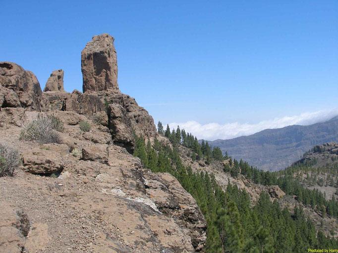 mit dem 80m hohen Monolit - das Wahrzeichen der Gran Canarias