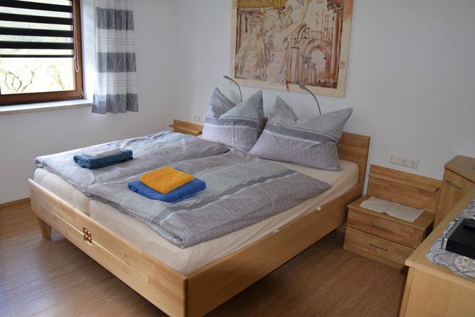 Das große Schlafzimmer für zwei Personen inkl. TV und WLAN