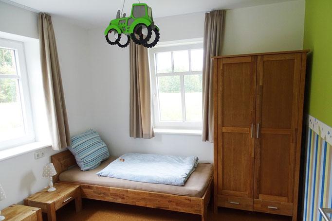 """Blick in das Kinderzimmer der Ferienwohnung """" Landsicht"""" auf dem Imkershof der Familie Röhrs in Schneverdingen-Surbostel"""